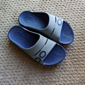 { Oofos } Recovery Sandal Slide